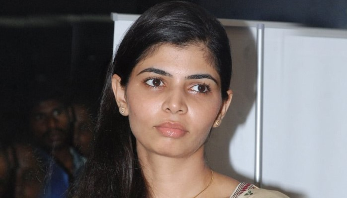 Singer Chinmayi About Tamil Reviewer Sexual Harrasment