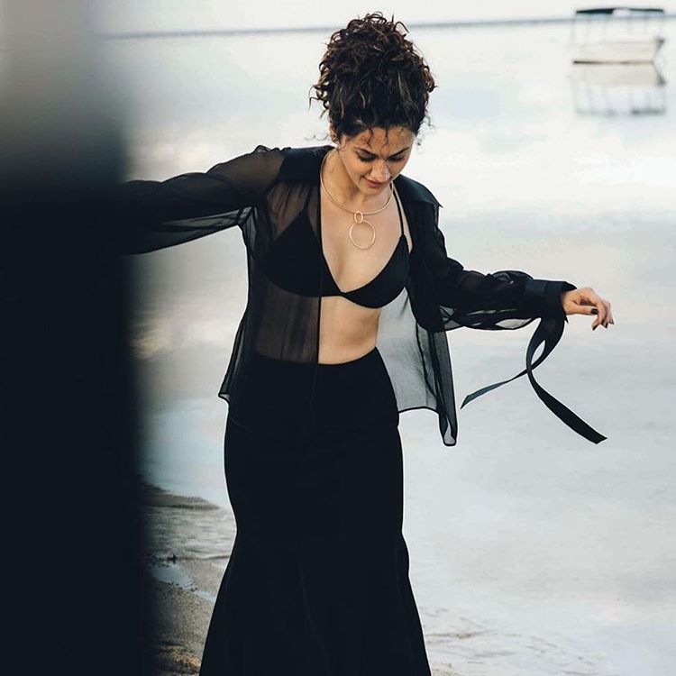Pic Hot: Taapsee's glam show