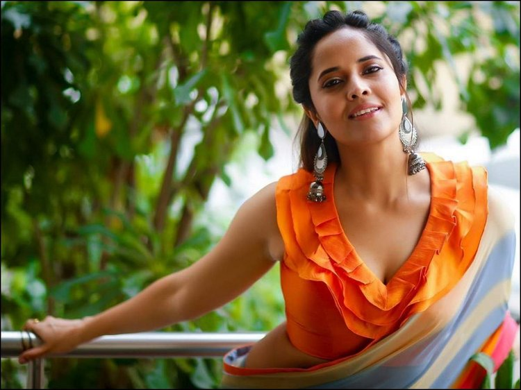 Anasuya Has Five Different Films in Her Kitty