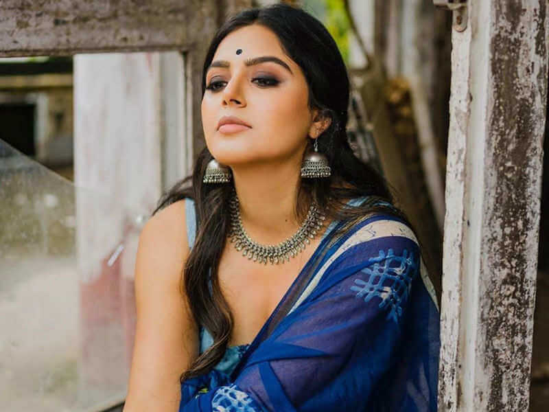 Bigg Boss 4 Glamour Beauty in a Hindi Web Film