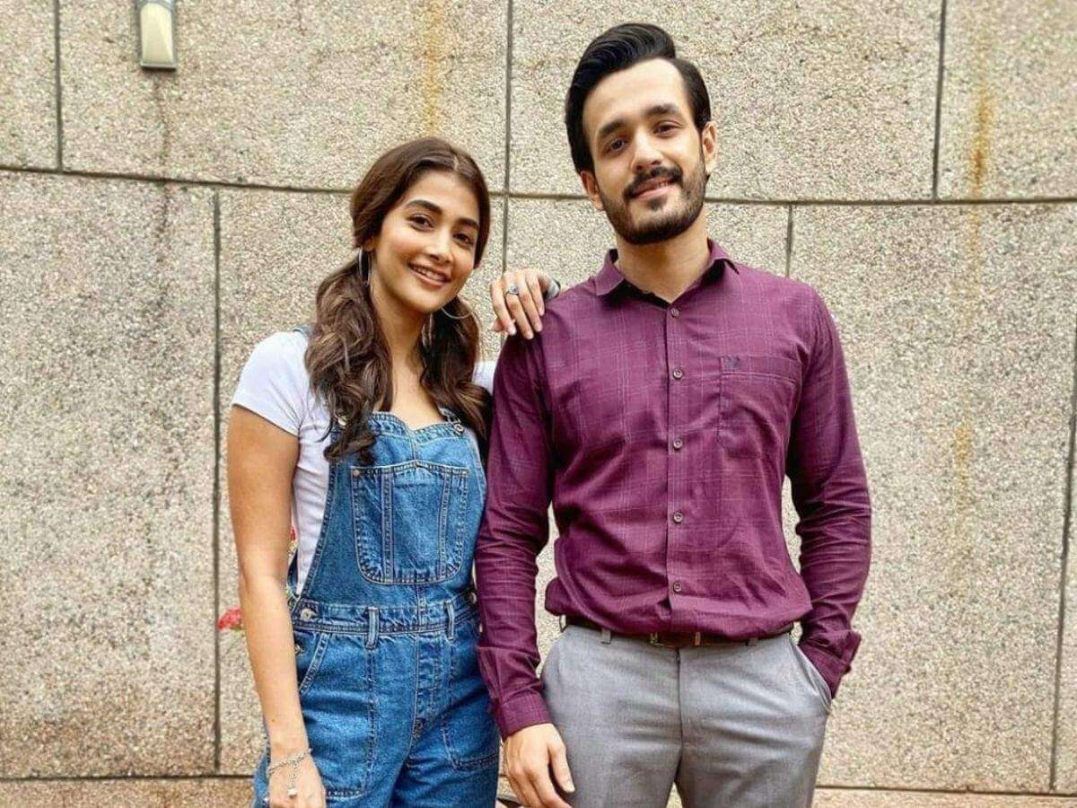 Pooja Hegde Finally Finds Time For Akhil